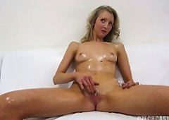 Sexy self Rubing Czech Blondie Gril
