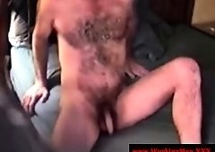 Grown-up southern bear getting dick sucked from str8 guy
