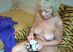 Aged golden-haired Evan is masturbating her hole